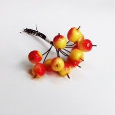 Яблоки на проволоке